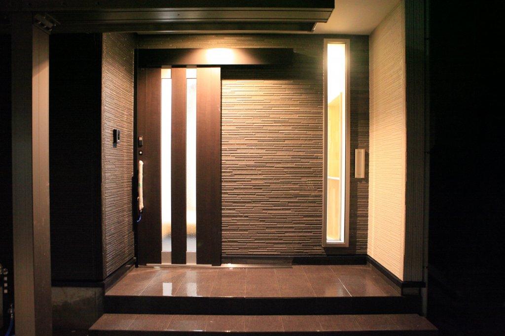 シンプルモダンな玄関
